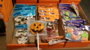 Gummies and Lollies:Eyeballs, Bats, faces and jack-o-lantern lollies
