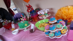 cake table 20140524_142321