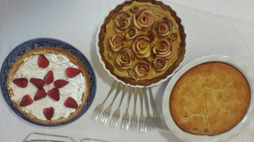Rose tart came with friends: My mom's killer Baked cheesecake and apricot pudding. All three went fab with icecream