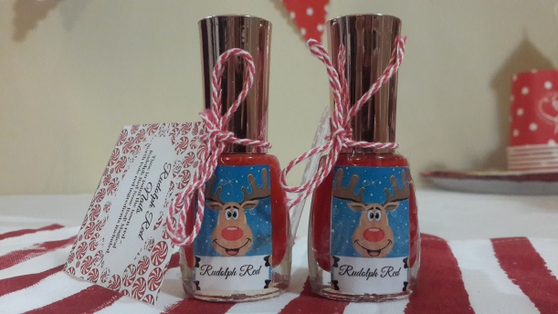 Rudolph Red: Paint the town red ruolph rednose red! Magical Northpole red ingredents incl.