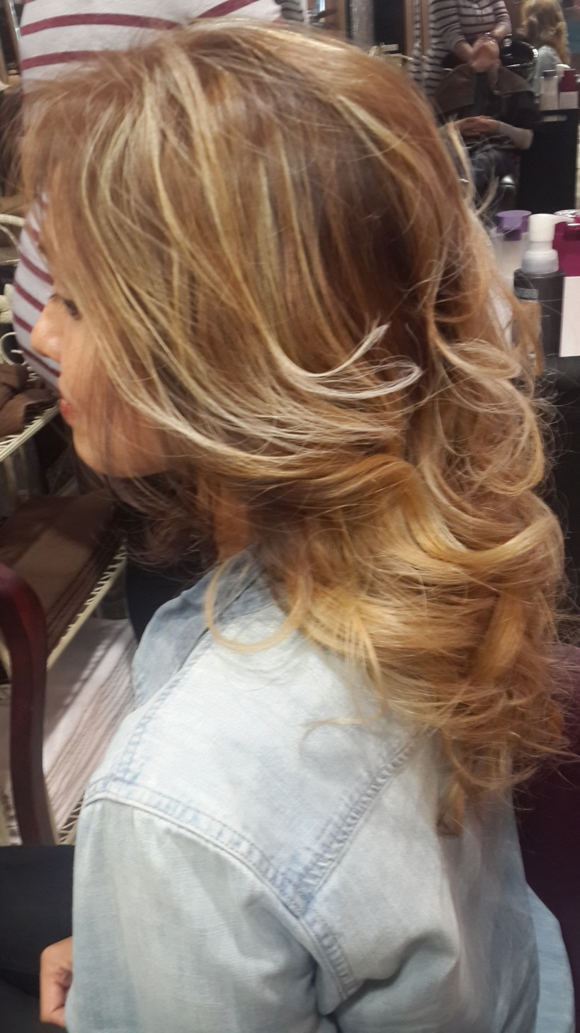 Blonde First time (Side)