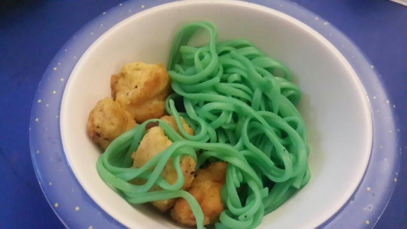 Dad whipped up some plain ol. Chicken and Pasta, but the green had them asking for more.
